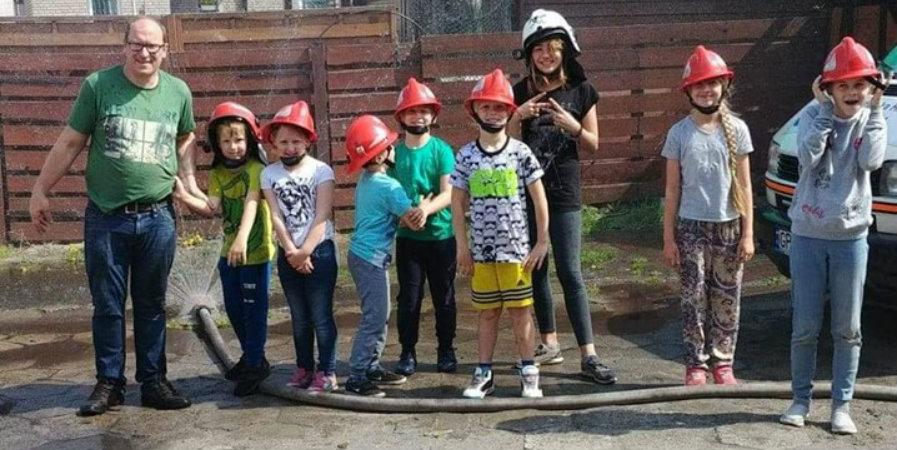 Ćwiczenia Młodzieżowej Drużyny Pożarniczej.